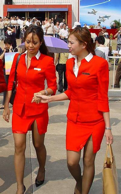 Foto Seksi Bening Pramugari Air Asia3