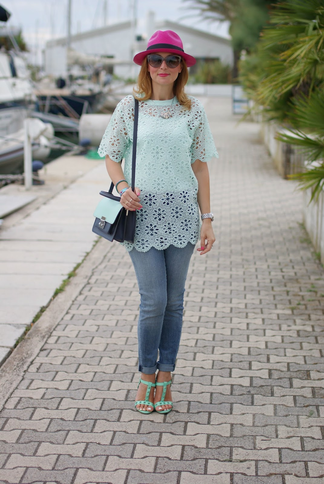 Chicwish mint green crochet top, ecua-andino fuchsia hat, Fashion and Cookies, fashion blogger