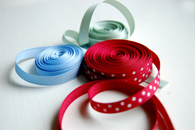 grosgrain_ribbon