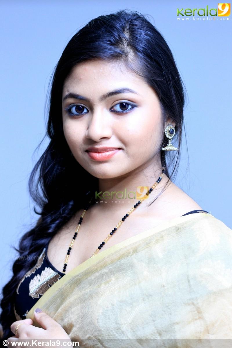 Shalin Zoya hot photos in saree at Aju Vargese marriage reception