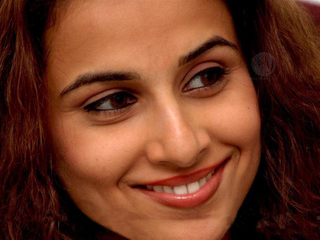Vidya Balan Hot In Parineeta In 2005, balan garnered praise