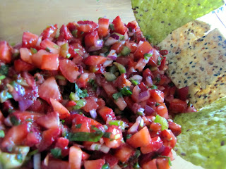 Addictive Strawberry Salsa with Chips