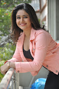 Poonam Bajwa latest sizzling photos-thumbnail-13