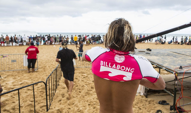 23 Billabong Pipe Masters Jordy Smith Foto ASP