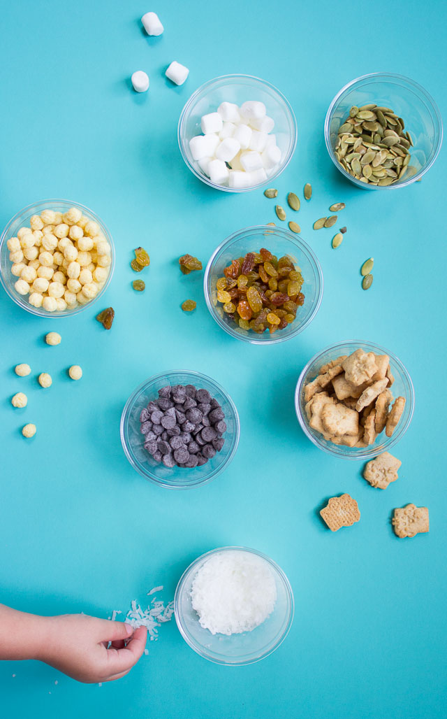 This pool snack mix is the best way to satisfy post-swimming hunger!