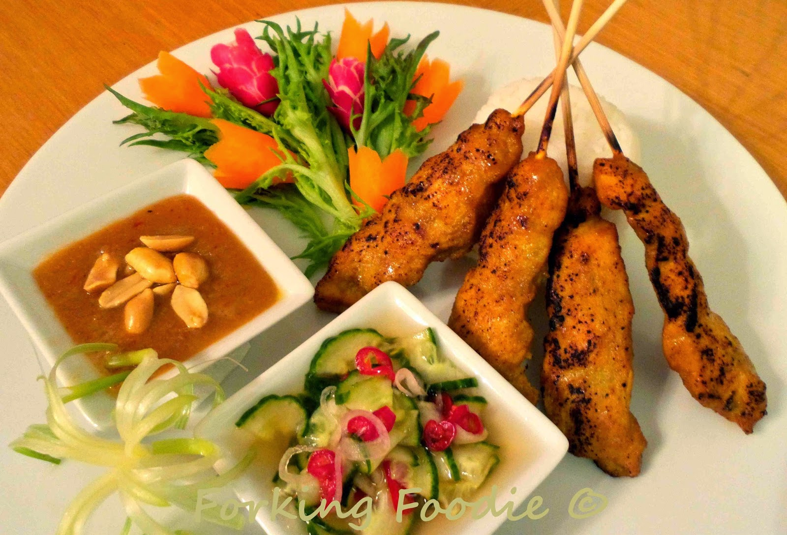 Forking foodie gai satay chicken satay with peanut sauce and gai satay chicken satay with peanut sauce and cucumber salad forumfinder Images