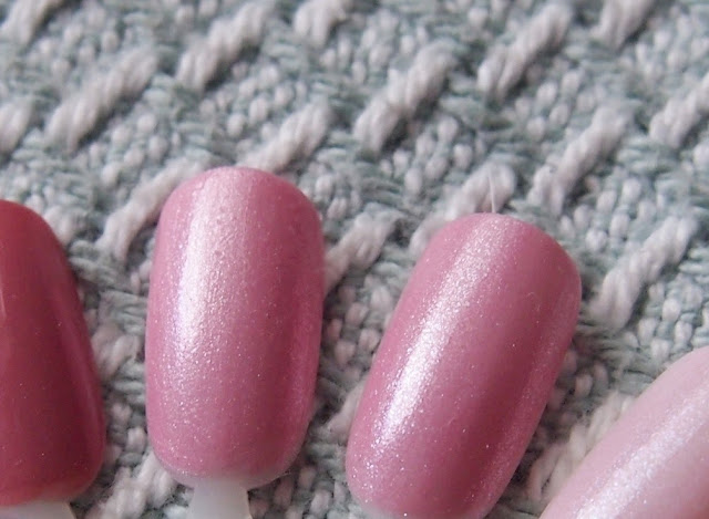 Comparison Zoya Gie Gie and OPI Pedal Faster Suzi
