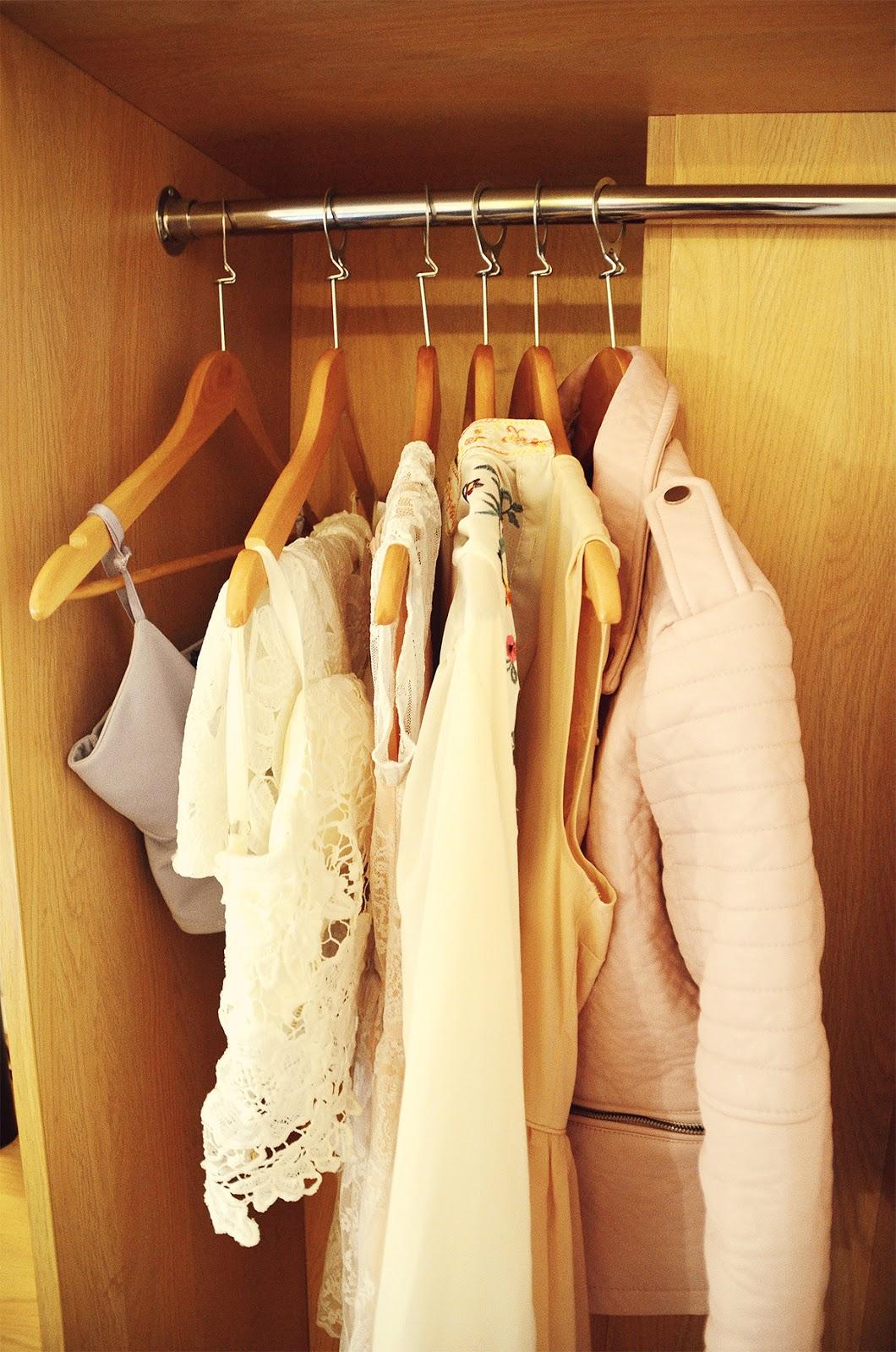 wardrobe hanger, spacious travelodge dressing, york central