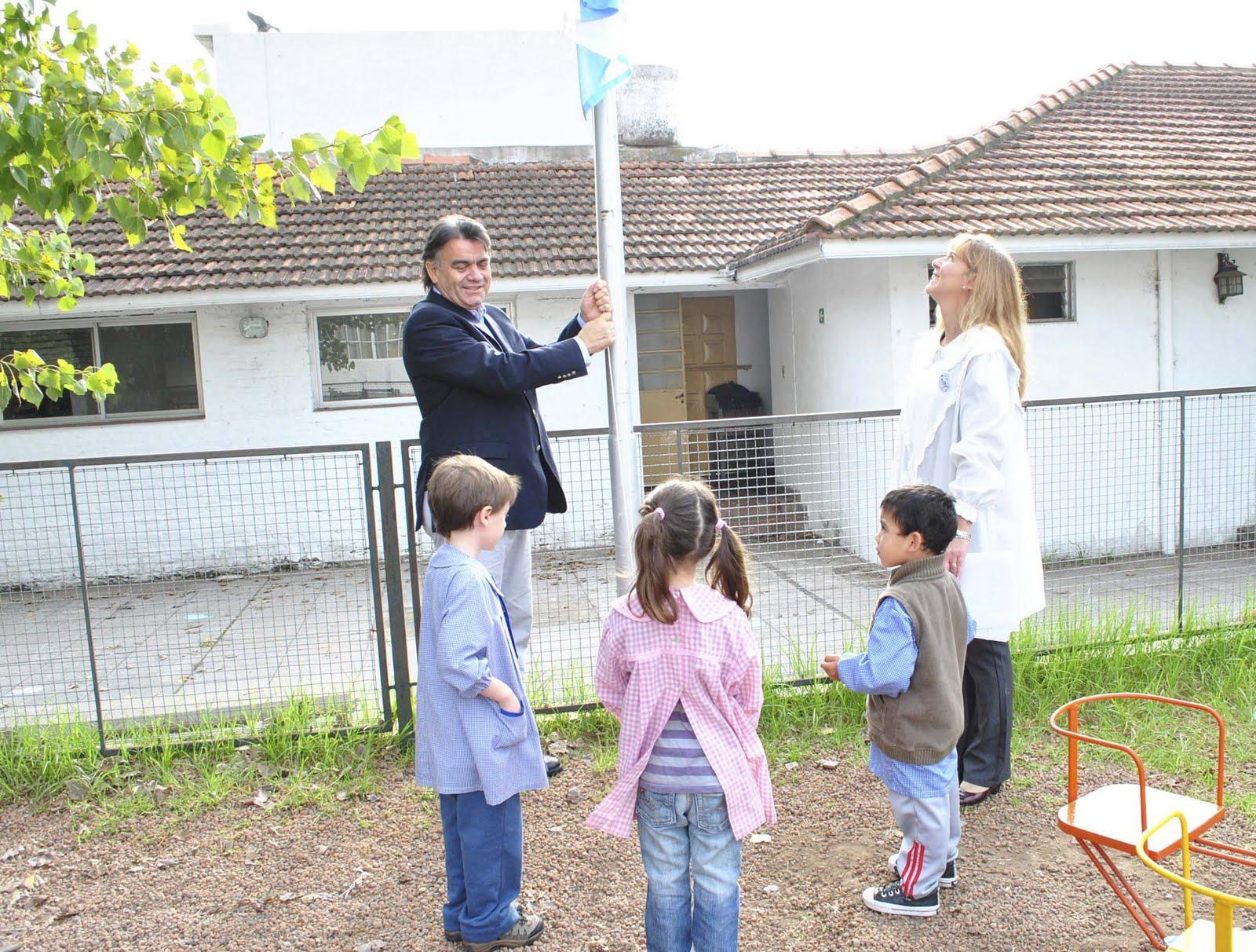 Quilmes digit l el intendente gutierrez encabezo los for Amiguitos del jardin