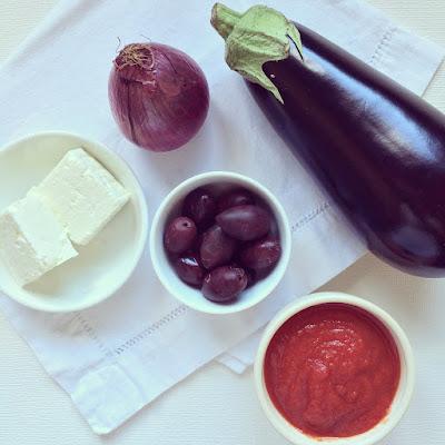 pizza aubergine feta olives