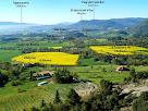 Les masies de Vilafreser, el Romeu, la Casanova de Vilafreser i moltes altres vistes des del Mirador dels Terressos Blancs