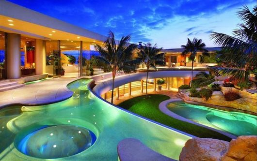 World most beautiful swimming pools for Beautiful house with swimming pool