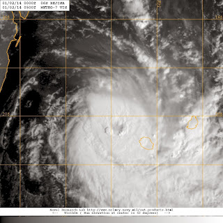 Image satellite de béjisa se rapprochant de la Réunion