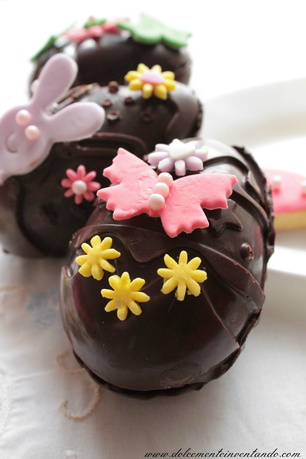ovetti di pasqua decorati di cioccolato fondente e...auguri!