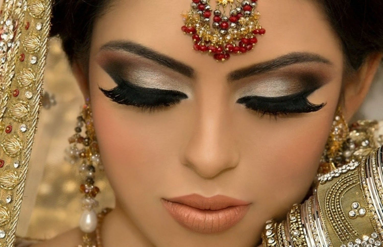 New And Most Beautiful Dulhan Walima Makeup Image Download ...