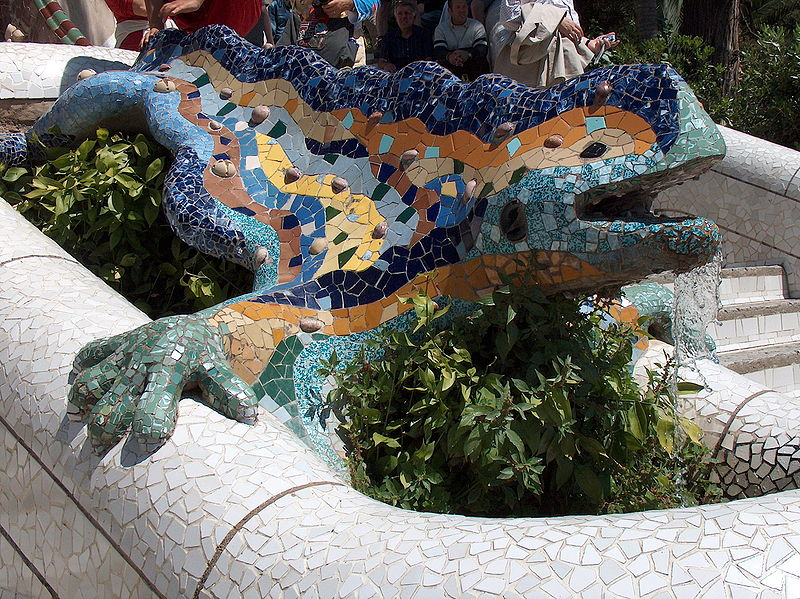 Barcelona travel sights park guell by antoni gaudi for Salamandra barcelona