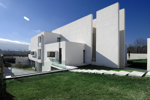 Modern Single Family House in Madrid by A-Cero - Inspiring Modern Home