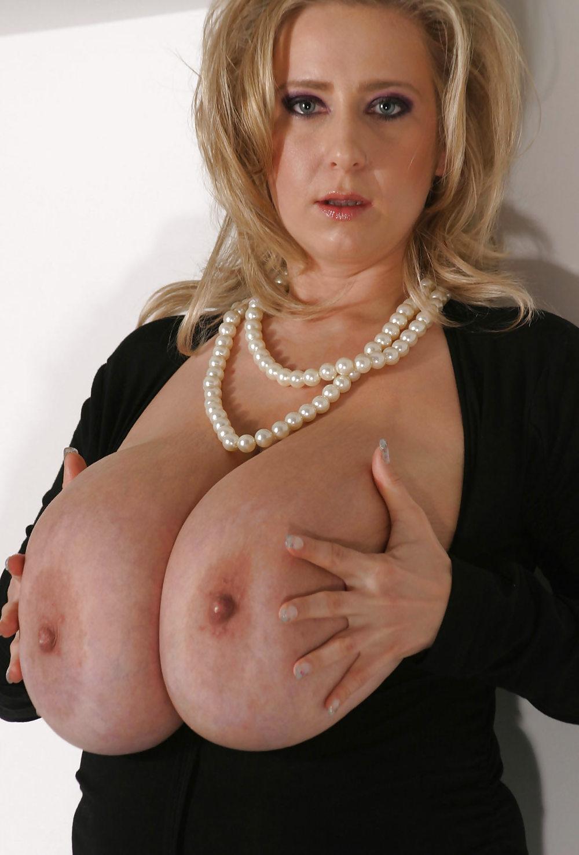 amateur large tit