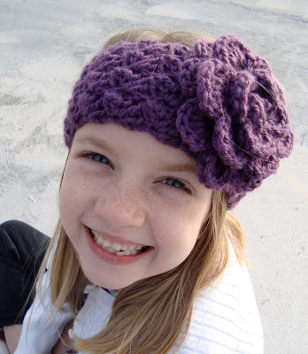 crochet pattern earwarmer with flower