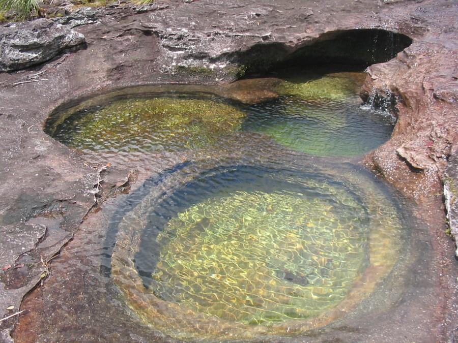 color water crystal river 03 Sungai Kristal   Sungai tercantik di Dunia (16 Gambar)