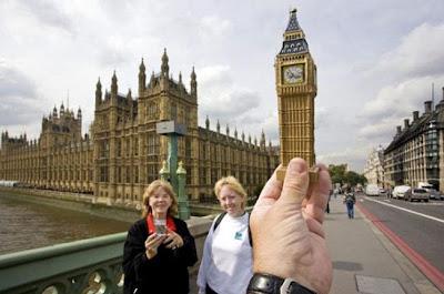 Foto Ilusi Big Ben, foto ilusi, kumpulan foto ilusi