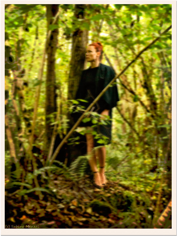 Psynopsis Sabine Menzel in Vintage Kimono Zara Leopard Pumps