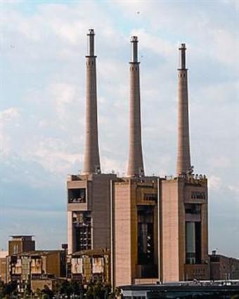Patrimonio industrial arquitect nico las tres chimeneas - Chimeneas barcelona ...