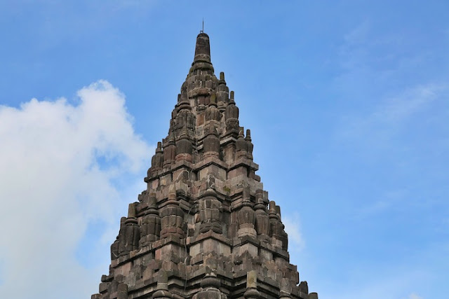 "<a href=""http://mataram.info/things-to-do-in-bali/visitindonesia-banda-marine-life-the-paradise-of-diving-topographic-point-inward-fundamental-maluku/"">Indonesia</a>best destinations : Prambanan - A Curt Story"