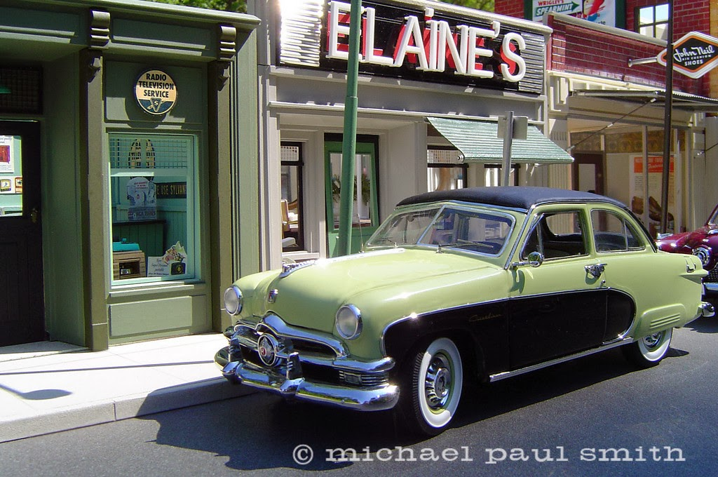 07-Elaines-Beauty-Salon-Model-World-1950s-Model-Maker-Michael-Paul-Smith-www-designstack-co