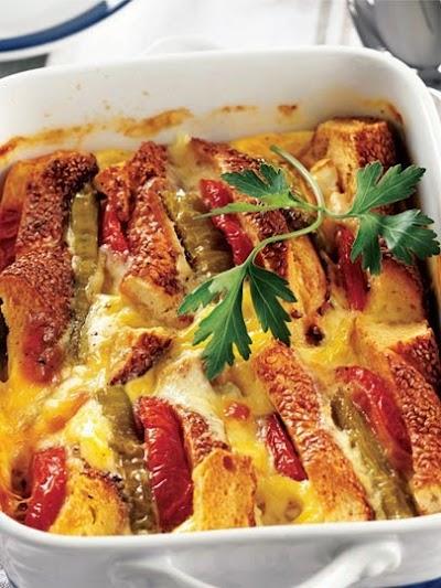 Fırında soslu peynirli simit
