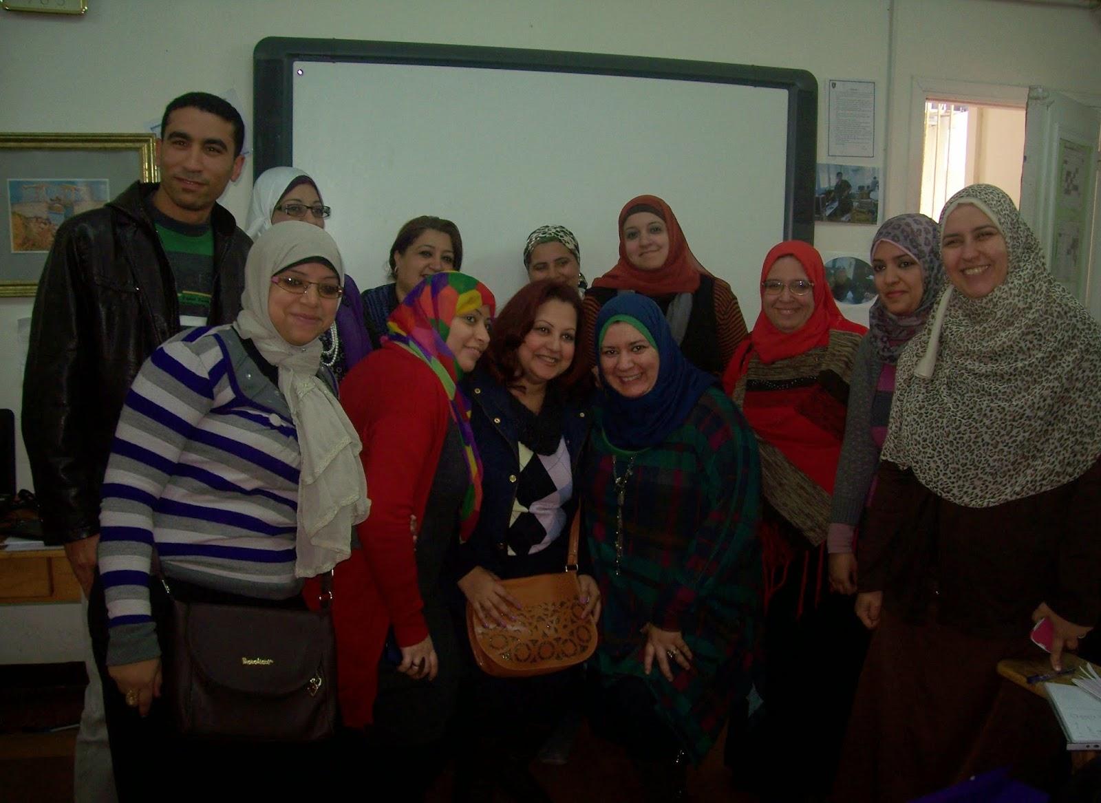 تدريب 160 معلم بمختلف التخصصات على استخدام السبورة التفاعلية والتحضير الإليكترونى
