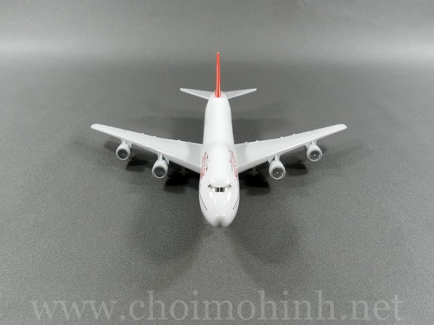Swiss Air plane 1:400 front