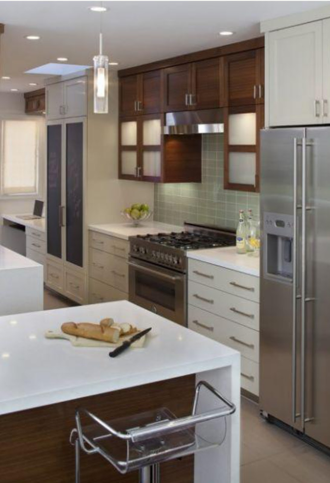 Two Tone White CabiKitchen Modern
