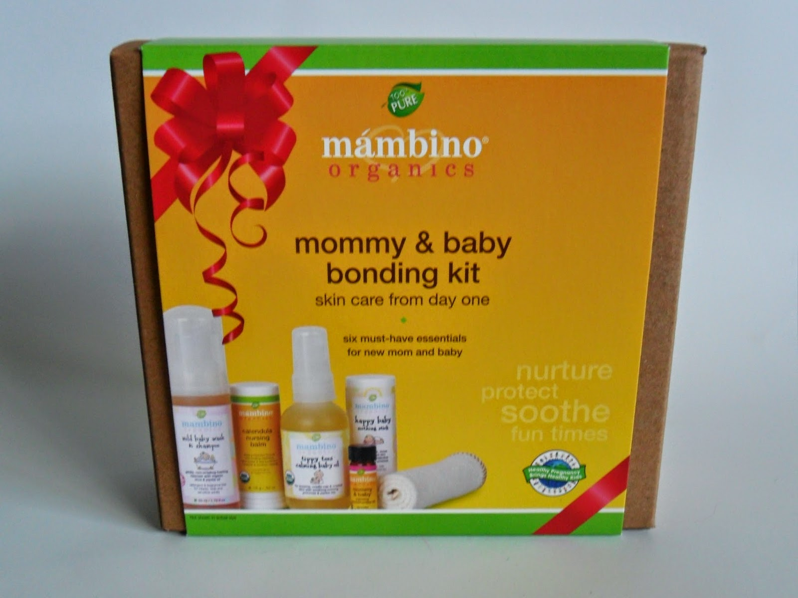 Mommy and Baby Bonding Kit, Mambino Organics.  Review  (Blu me away or Pink of me Event)