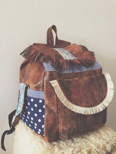 Jardins de Vidro  marca de Malas e mochilas em pele e tecido