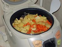 Картошка, тушеная с курицей