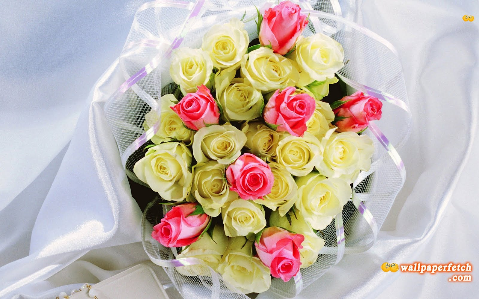 http://4.bp.blogspot.com/-OsbCZuDbZFU/UDKTxYLyiRI/AAAAAAAAN34/lBKC886b9HM/s1600/bouquet-of-roses-74207.jpg