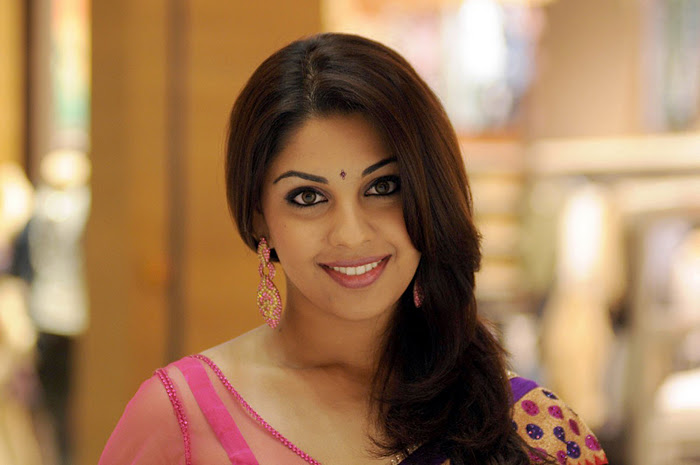 Richa Gangopadhyay Latest Closeup Cute Stills Photos Photoshoot images