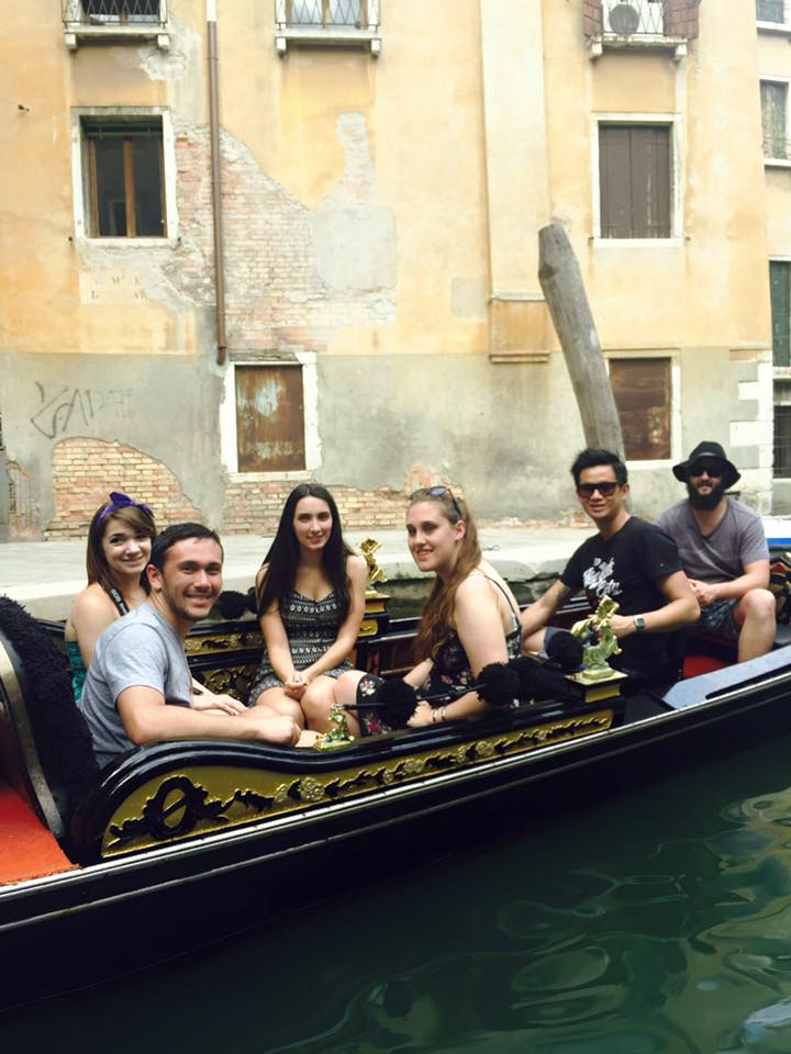 Venice Gondola Contiki