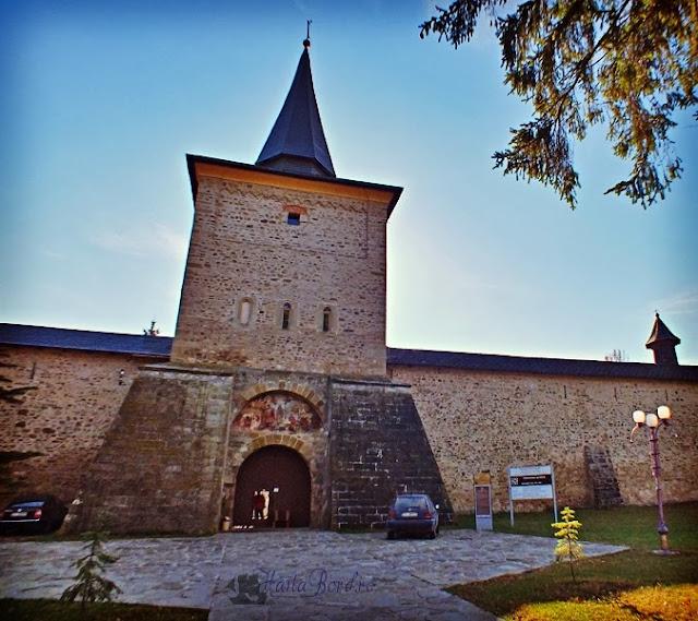 intrare manastirea sucevita