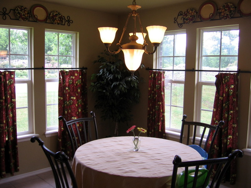 3 Little Chicks Dining Room Transformed With New Curtains
