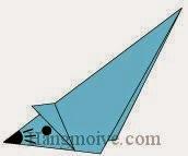 Bước 10: Vẽ mắt, mũi, râu để hoàn thành cách xếp con chuột biết chạy bằng giấy.