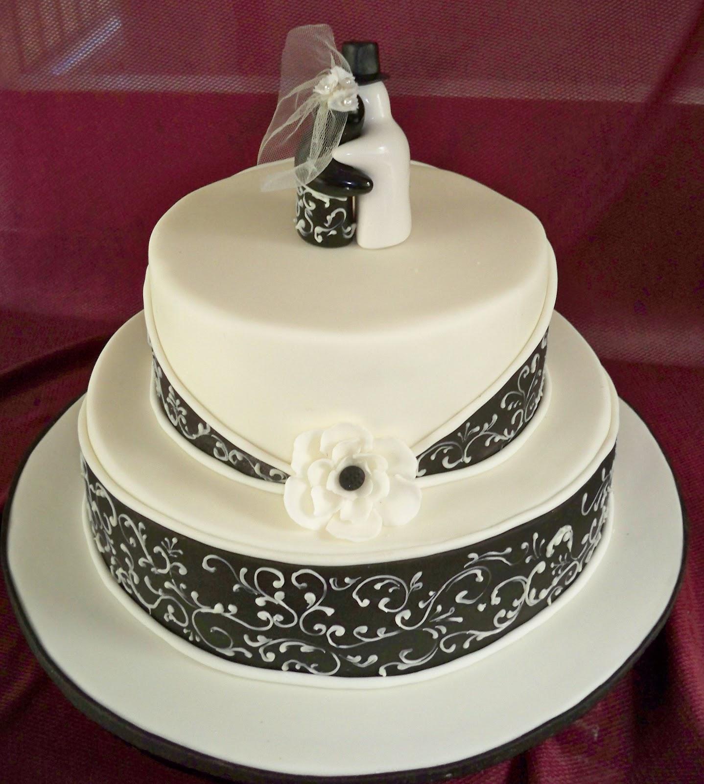 Black and white wedding cakes | Elisabeth\'s Wedding Cakes