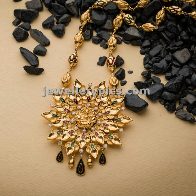 swarna mahal jewellers mantra collection temple locket chain