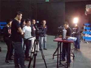 Poestaha Depok Karnos Filmmaking Camp Rano Karno Di Depok Si