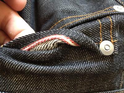 детали мужских джинс