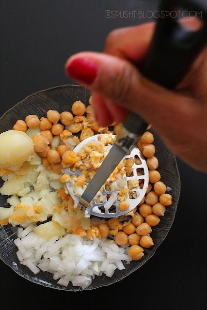 Spusht | Mash potato and chickpeas for pani puri