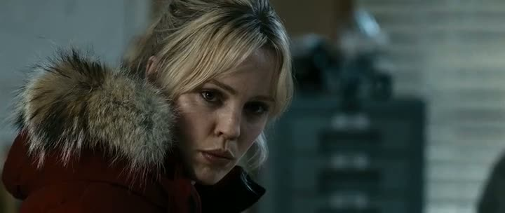 Screen Shot Of 30 Days of Night (2007) Dual Audio Movie 300MB small Size PC Movie