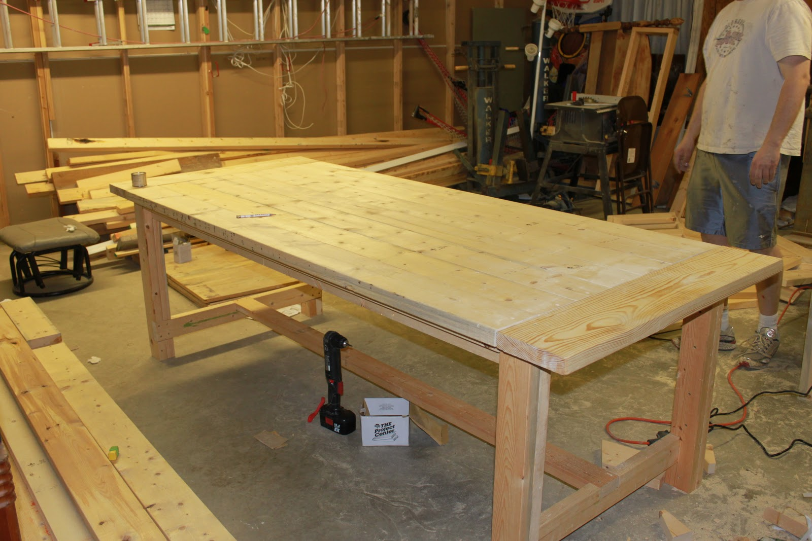 How we built a DIY Dining Room Table from Free Plans online. It was ...