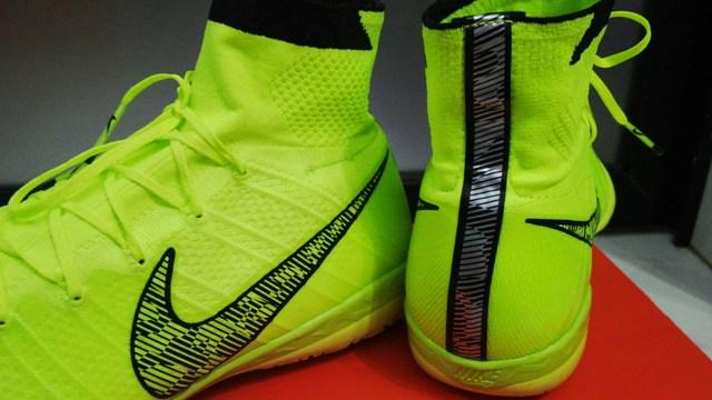 Nike mercurial superfly green elastico